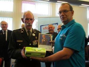 11-07-2014 AED bij de veteranen 003